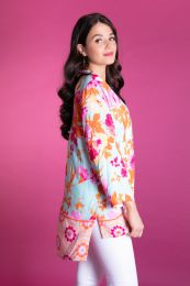 Blouse in turquoise with pink flowers